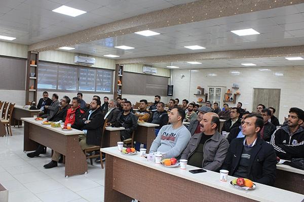 بازدید از شرکت پلیمر گلپایگان و همایش جهت مجریان عزیز شیراز به همراه نمایندگی محترم جناب آقای گنجی زاده - آذر 98